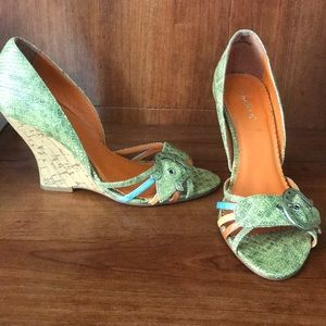 Peep Toe Wedges, perfect for spring/summer!